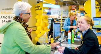 Una catena di supermercati inaugura le casse loquaci dove gli anziani possono chiacchierare coi commessi