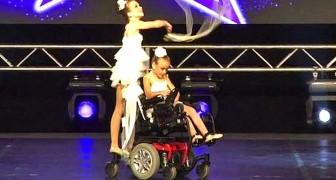 Una niña esta en sillas de ruedas: lo que hace su hermana los dejara sin palabras