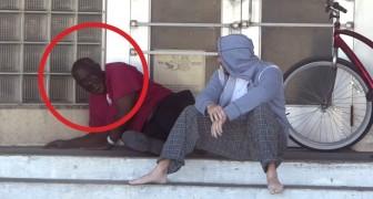 Un hombre pide dinero a un vagabundo. Su reaccion es increible