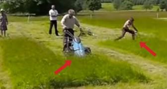 Un uomo e una macchina si sfidano nel tagliare l'erba: il finale vi sorprenderà!