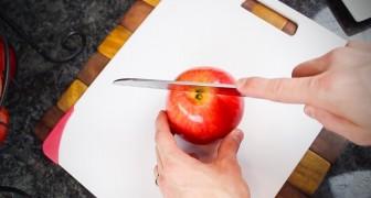 Vous aimez les pommes? Voici un moyen GÉNIAL et rapide pour les couper...