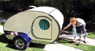 Deze caravan is wel heel erg klein...maar niets is wat het lijkt!