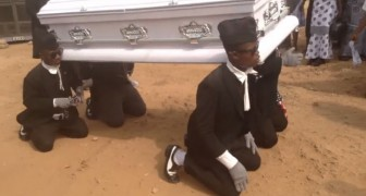 Friends carry the coffin as in a normal funeral, but the way they do it is UNEXPECTED!