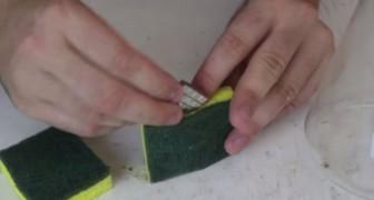 Hij plaatst een magneet in een spons: met deze truc is het reinigen van flessen en vazen een eitje!