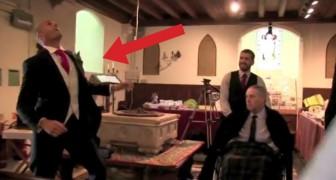 Un uomo attende la sua futura sposa: il modo in cui entra in chiesa è del tutto INASPETTATO!