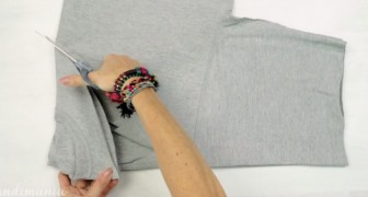 In just 3 steps you can create a shopping bag... using a T-shirt