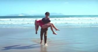 Ein Junge rettet ein Mädchen vor dem Ertrinken, aber achtet auf den Ehering am Finger...
