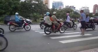 l'arte di attraversare una strada