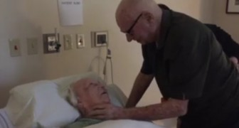 He singsfor the last time to his wife who's seriously ill: here's what LOVE means !