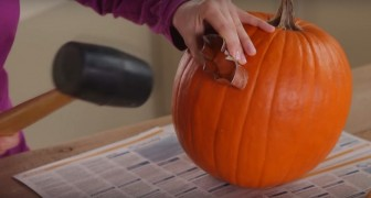 She uses a cookie cutter on a pumpkin: here's a great idea for Halloween!