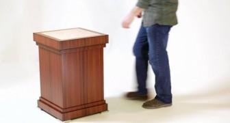 Sembra un normale tavolino, ma guardate come si trasforma: ottimo per chi ha segreti da nascondere!