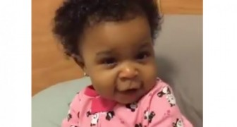She tells her daughter to show a mad expression, the result is hilarious !