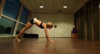 Elle commence par des positions de yoga classiques mais ce qu'elle fait après est BLUFFANT