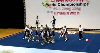 As soon as the music starts, these cheerleaders launch into an explosive non-stop show!