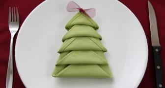 Wie man eine Serviette in einen Weihnachtsbaum verwandelt: Lerne diesen und 7 weitere Tricks