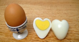 Heart-shaped Egg? Learn how to create it ... it's simple!
