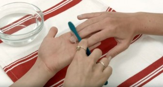 Nägel mit Zahnbürste und Zahnpasta putzen? Das Ergebnis ist brillant