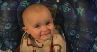 O bebezino que se emociona quando ouve a mãe cantar