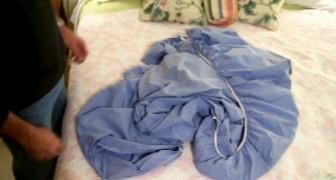Não consegue dobrar o lençol com elástico? Veja um ótimo truque!