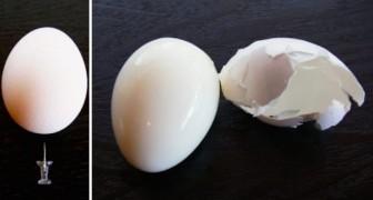 Maak een gaatje in een ei met een punaise: met deze truc kun je binnen een handomdraai een ei pellen