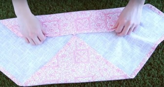 Have you set your Easter table with ordinary napkins? Well, try this idea!