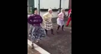 3 signore anziane si metto in in fila... Nessuno si aspettava una performance del genere!