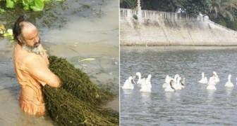 Ecco come un uomo ha ripulito il fiume del suo villaggio... servendosi solo delle sue mani