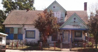 Un gruppo di ragazzi insulta la casa di un anziano, ma un passante decide di non restare a guardare