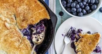 Un dolce salutare e gustoso? Esiste, ed è questa semplicissima torta ai mirtilli