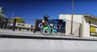 Un giovane sulla sedia a rotelle indossa il casco: quello che sta per fare lo reputavate impossibile!