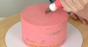 Decorare una torta: ecco una tecnica semplicissima dal risultato favoloso