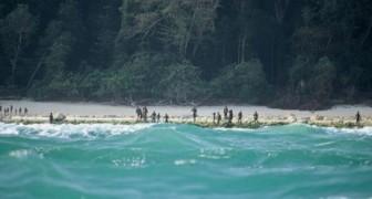 Al duizenden jaren laat de bevolking van dit eiland niemand dicht bij hun kust komen