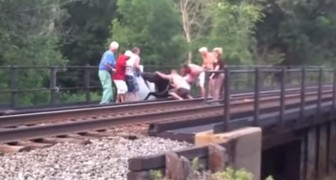 They notice something on the rails --- Teamwork saves the day!