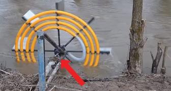Dit is een geniale manier om water uit de rivier te halen zonder gebruik van elektriciteit