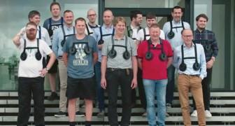 Un direttore fa indossare una pesante pettorina a TUTTI i dipendenti maschi: il motivo vi farà sorridere