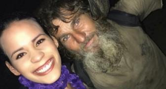 Un senzatetto si avvicina a una ragazza per chiedere l'elemosina, ma sarà lui a darle dei soldi...
