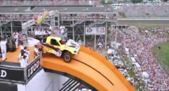 World record for distance jump with a car