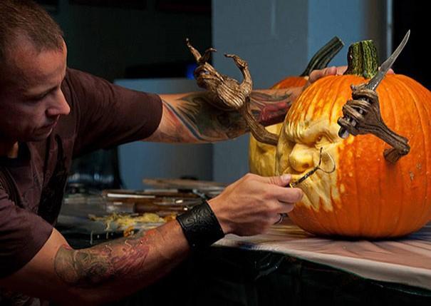 Zucche Di Halloween Cartoni Animati.Le Zucche Di Halloween Questo Scultore Le Trasforma In Opere D Arte