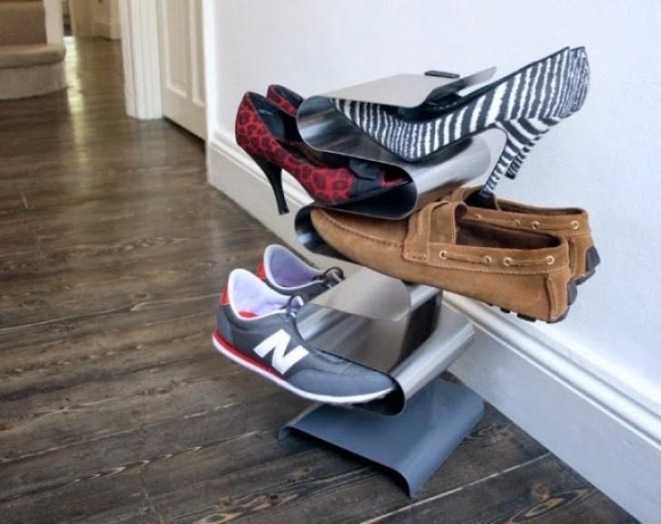 3. Ein Schuhständer, Der Alle Schuhe Griffbereit Und Ordentlich Aufbewahrt.