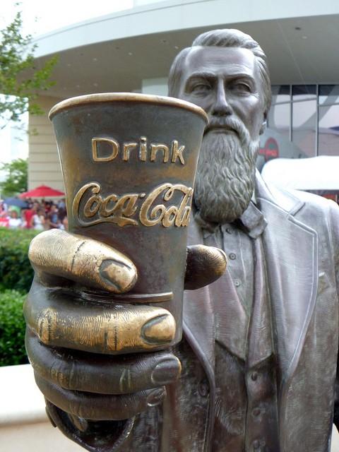 Hij vond het beroemdste drankje ter wereld uit, maar stierf jong ...