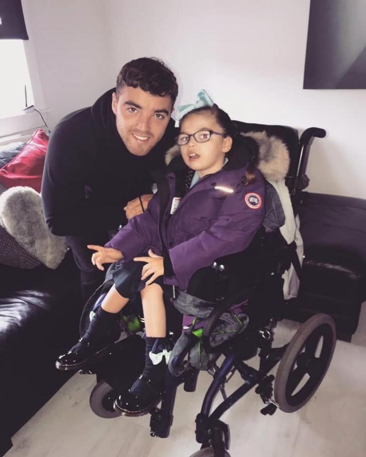 Un papà creativo ha trasformato la sedia a rotelle della ...