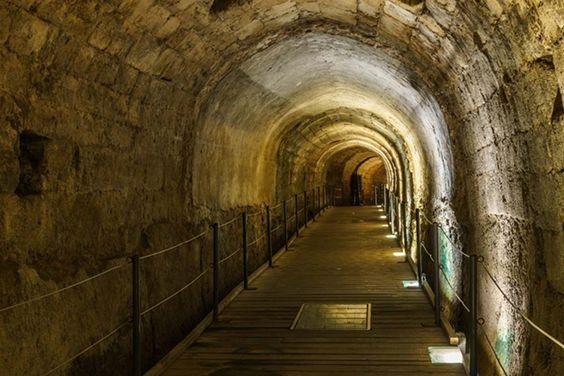 Dopo 700 anni è stato riscoperto il Tunnel dei Templari: i ...