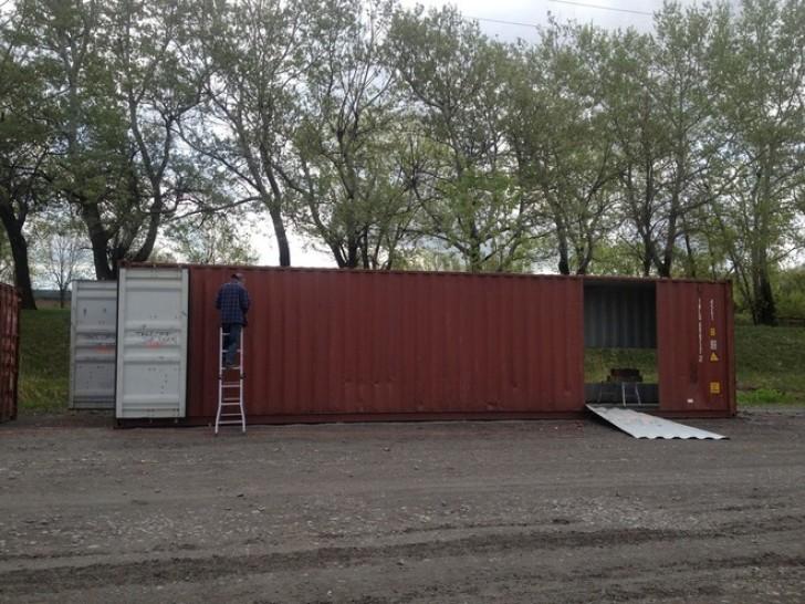Una ragazza acquista dei container per navi e li trasforma for Miglior modo per costruire una casa
