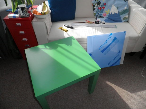 i tavolini ikea diventano lavagne luminose per bambini: ecco come ... - Tavoli Bimbi Ikea