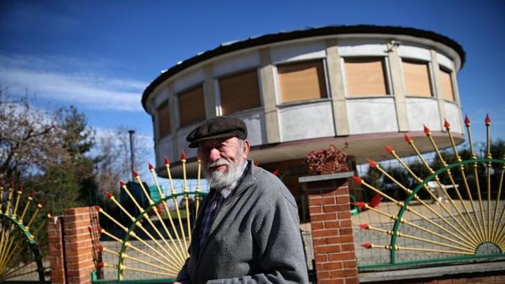 Un Jubilado Se Construye Una Casa Rodante: Aqui Esta Su Proyecto ...