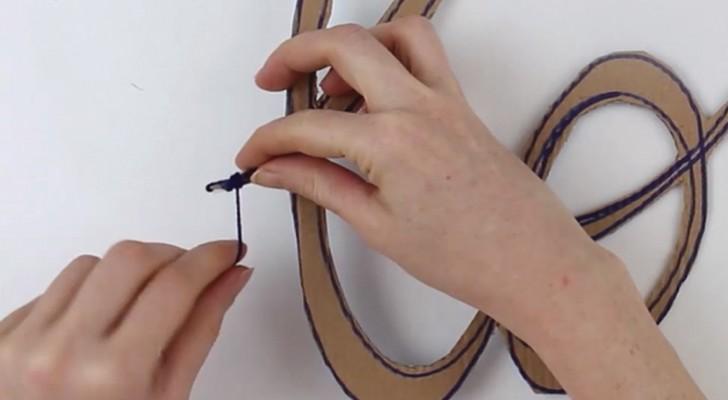 Wrap wool yarn on cardboard -- a clever decoration idea!