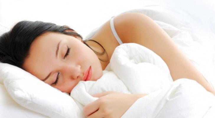 Le donne hanno bisogno di dormire più degli uomini: uno studio spiega perché