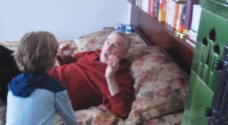 Il nipote fa una sorpresa al nonno in Germania: la reazione dell'uomo è emozionante