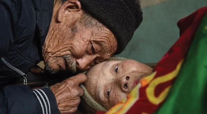 Si prende cura di sua moglie paralizzata per 56 anni: ecco cosa significa amare DAVVERO