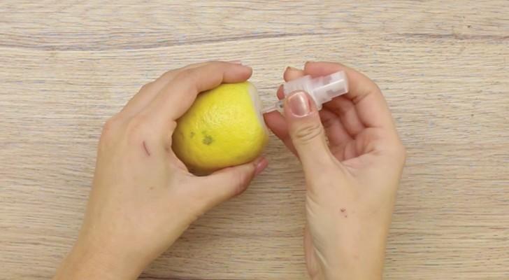 Erschaffe diese einfache Spray-Zitrone, damit es am Tisch auch etwas Lustiges gibt!